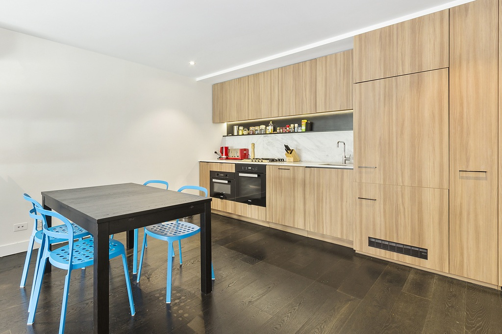 010_Open2view_ID456285-7_Robert_St_Collingwood