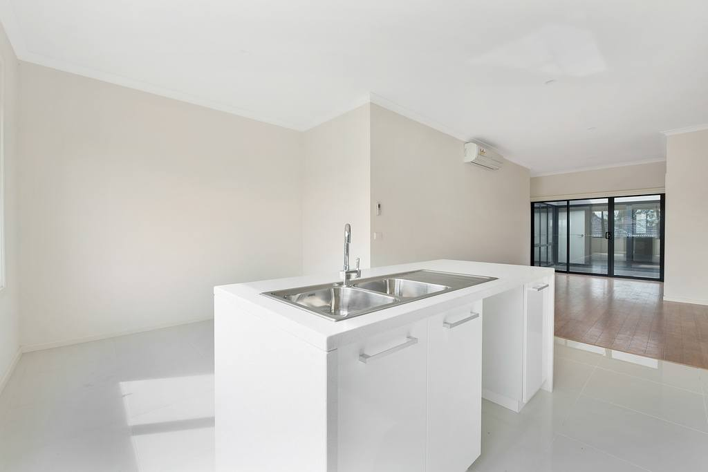 023_Open2view_ID454943-355_Waverley_Road__Mt_Waverley