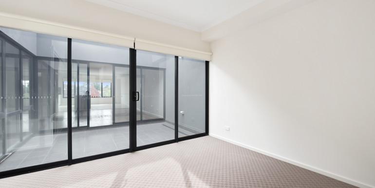 034_Open2view_ID454943-355_Waverley_Road__Mt_Waverley