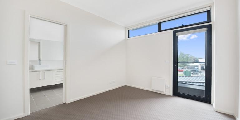 036_Open2view_ID454943-355_Waverley_Road__Mt_Waverley